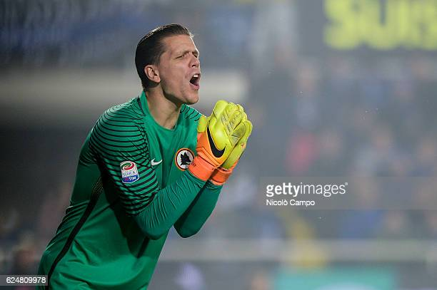 Wojciech Szczesny of AS Roma gestures during the Serie A football match between Atalanta BC and AS Roma
