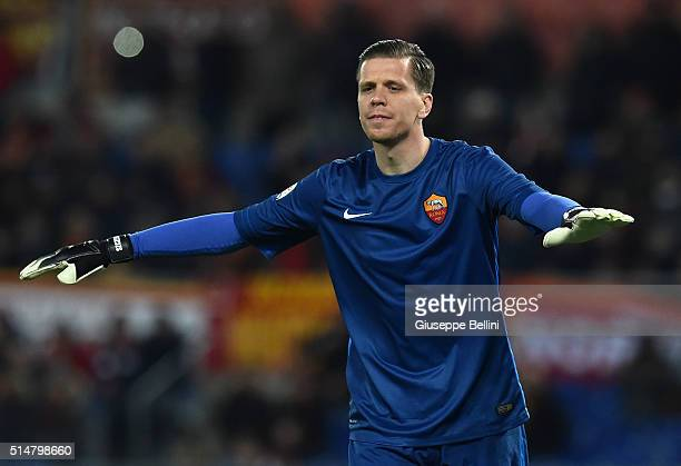 Wojciech Szczesny of AS Roma in action during the Serie A match between AS Roma and ACF Fiorentina at Stadio Olimpico on March 4 2016 in Rome Italy