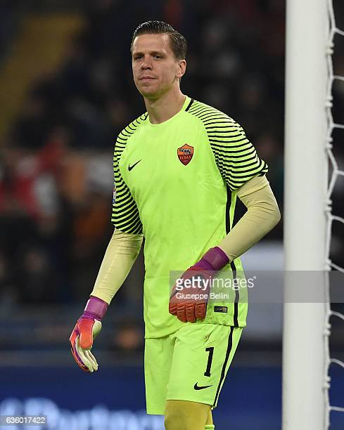 Wojciech Szczesny of AS Roma in action during the Serie A match between AS Roma and AC Milan at Stadio Olimpico on December 12 2016 in Rome Italy