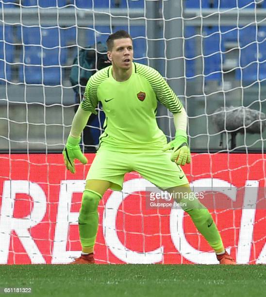 Wojciech Szczesny of AS Roma in action during the Serie A match between AS Roma and SSC Napoli at Stadio Olimpico on March 4 2017 in Rome Italy