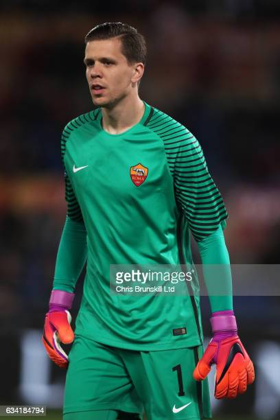 Wojciech Szczesny of AS Roma looks on during the Serie A match between AS Roma and ACF Fiorentina at Stadio Olimpico on February 7 2017 in Rome Italy