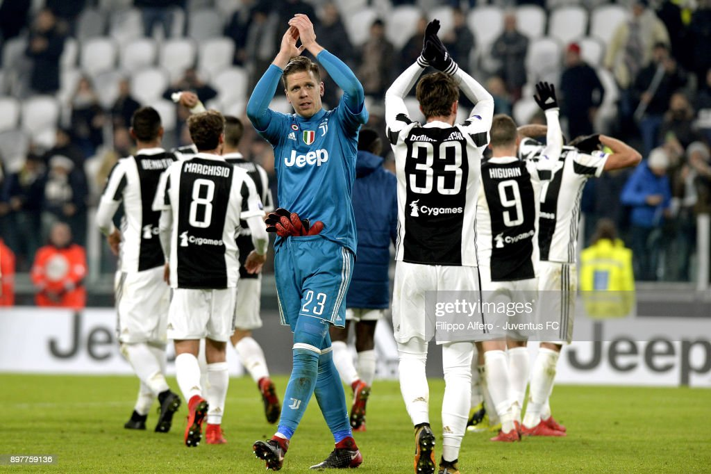 Wojciech Szczesny of Juventus celebrates the victory at the end of the serie A match between Juventus and AS Roma at Allianz Stadium on December 23, 2017 in Turin, Italy.
