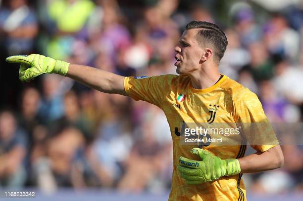 Wojciech Szczesny of Juventus FC in action during the Serie A match between ACF Fiorentina and Juventus at Stadio Artemio Franchi on September 14,...