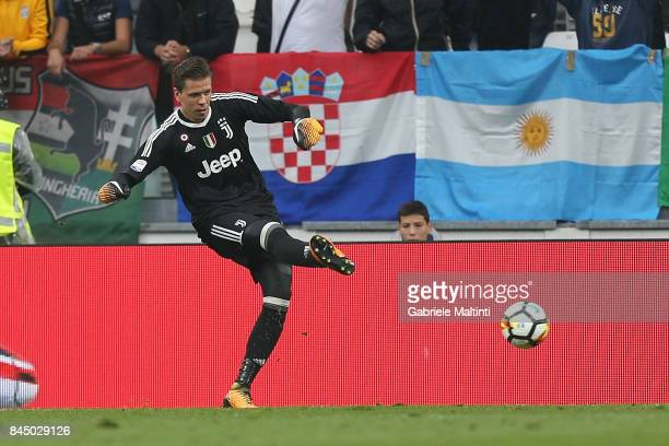 Wojciech Szczesny of Juventus FC in action during the Serie A match between Juventus and AC Chievo Verona on September 9 2017 in Turin Italy