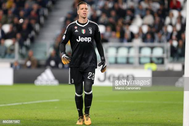Wojciech Szczesny of Juventus FC in action during the Serie A football match between Juventus FC and ACF Fiorentina