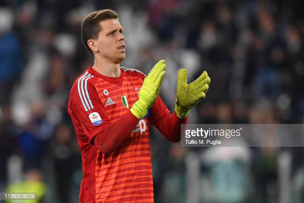 Wojciech Szczesny of Juventus greets suppoprters after winning the Serie A match between Juventus and Empoli at Allianz Stadium on March 30, 2019 in...