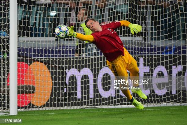 Wojciech Szczesny of Juventus makes a save during the warm-up prior the UEFA Champions League group D match between Juventus and Bayer Leverkusen at...