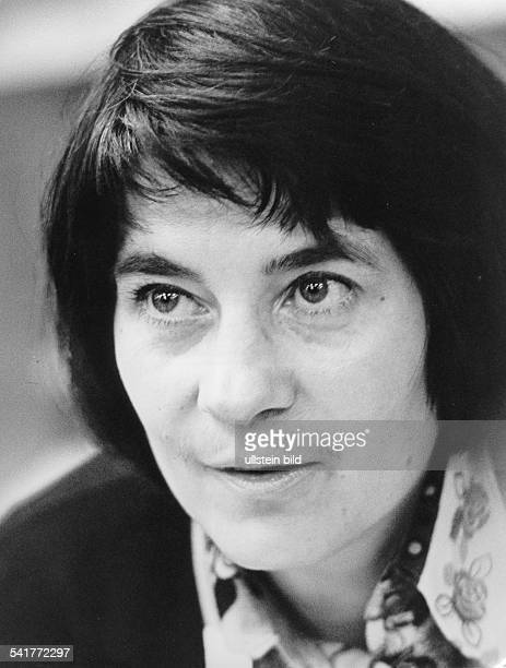 Wolf, Christa *-Schriftstellerin, D- Porträt- 1973