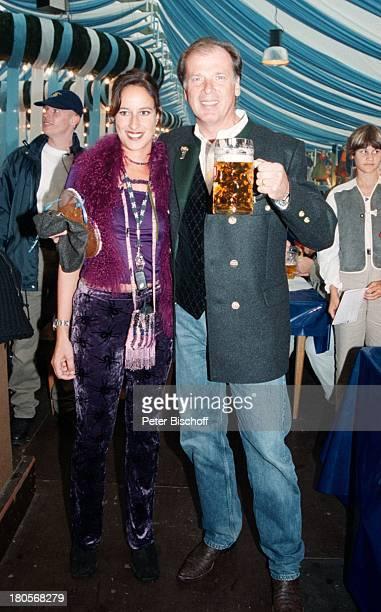 Wolfgang Fierek Ehefrau Djamila MendilGoldstar TV Wies`n Treff OktoberfestMünchen Bier Glas