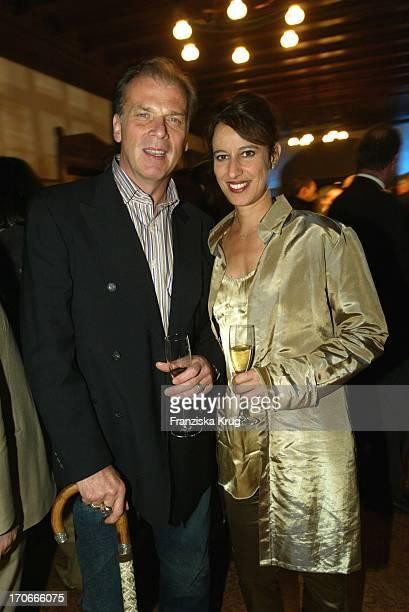 Wolfgang Fierek Mit Seiner Ehefrau Djamila Bei Der Bmw Meisterwerke Gala Im Schloss Faber-Castell In Stein Bei Nürnberg