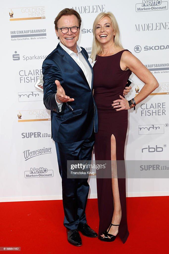 Wolfgang Lippert and Gesine Lippert attend the Goldene Henne on October 28, 2016 in Leipzig, Germany.