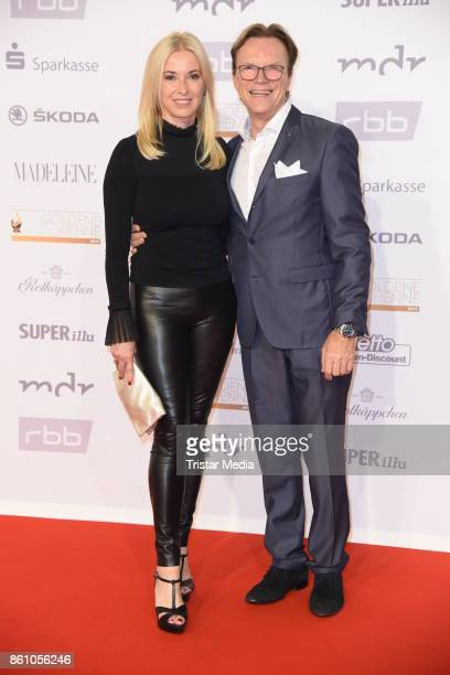 Wolfgang Lippert and his wife Gesine Lippert attend the Goldene Henne on October 13, 2017 in Leipzig, Germany.