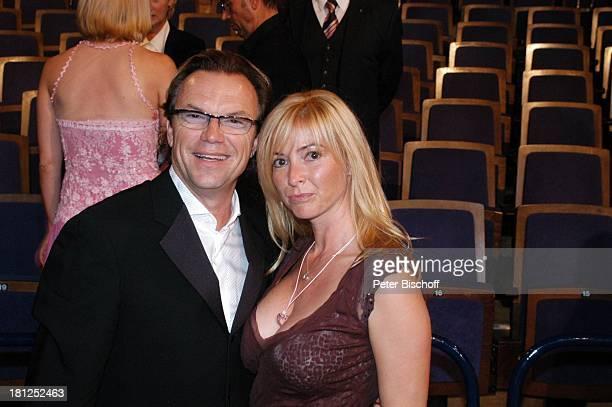 Wolfgang Lippert Ehefrau Gesine Schönherr AftershowParty nach MDRGala Preisverleihung Goldene Henne 2005 Berlin