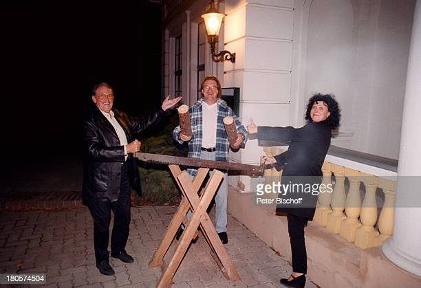 "Wolfgang Lippert , Heike Knochee,;Ehemann Herbert Köfer, Hochzeit,;Luisenhain, Restaurant ""Seeresidenz"",;Berlin, Deutschland, Europa, Trauzeuge,..."