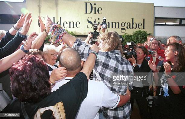 Wolfgang Petry Fans ARDShow 'DieGoldene Stimmgabel 2000'FriedrichEbertHalle Ludwigshafen
