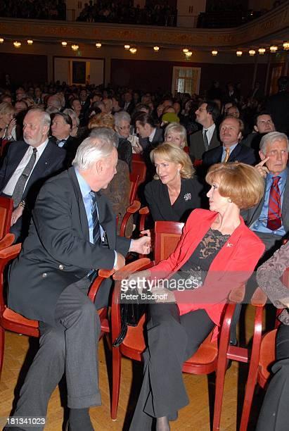 Dagmar Koller weitere Gäste Gala zum 103 Geburtstag von J O H A N N E S H E E S T E R S Wiener Konzerthaus Wien sterreich ProdNr 1854/2006 Sängerin...