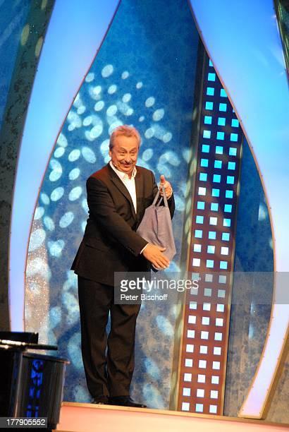 """Wolfgang Stumph , Theater-Gala """"Das große Kleinkunstfestival für Kabarett, Comedy und Musik"""" der Wühlmäuse 2010 mit Feier zum 75.Geburtstag von D i e..."""