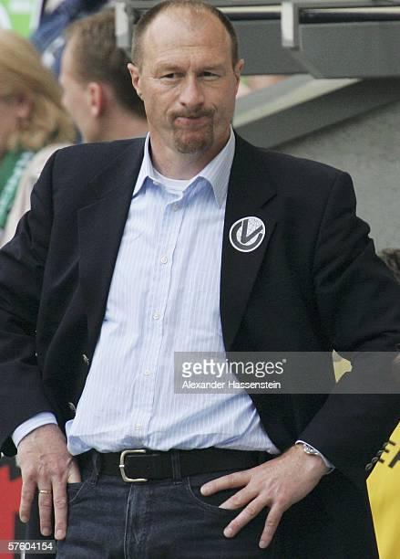Wolfgang Wolf headcoach of Kaiserslautern looks on during the Bundesliga match between VFL Wolfsburg and 1FC Kaiserslautern at the Volkswagen Arena...