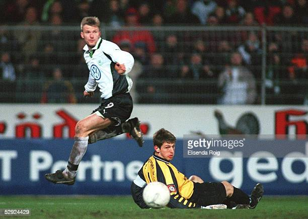 1 BUNDESLIGA 99/00 Wolfsburg VFL WOLFSBURG HAMBURGER SV 44 Andrej JUSKOWIAK/WOLFSBURG TORWART HansJoerg BUTT/HSV