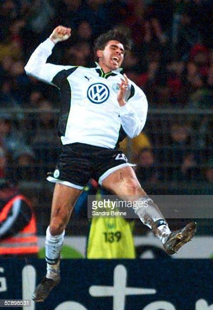 1 BUNDESLIGA 99/00 Wolfsburg VFL WOLFSBURG HAMBURGER SV 44 JUBEL nach 34 Zoltan SEBESCEN/WOLFSBURG