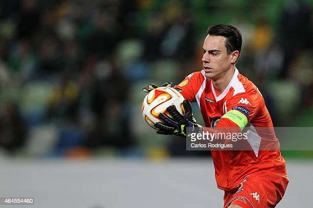 Wolfsburg's goalkeeper Diego Benaglio in action during the UEFA Europa League Round of 32 match between Sporting Clube de Portugal and VfL Wolfsburg...