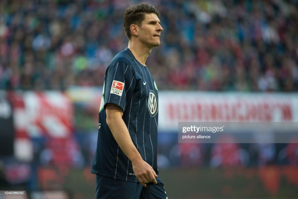 5d08c4784d1 Wolfsburg s Mario Gomez in action during the German Bundesliga soccer match  between RB Leipzig and VfL