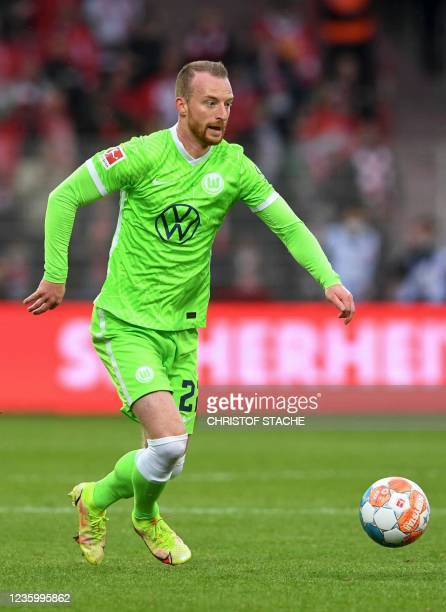 Wolfsburg's midfielder Maximilian Arnold plays the ball during the German first division Bundesliga match between Union Berlin and VfL Wolfsburg in...
