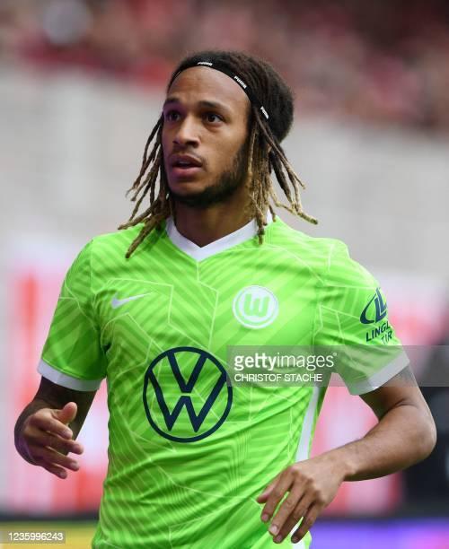 Wolfsburg's Swiss defender Kevin Mbabu reacts during the German first division Bundesliga match between Union Berlin and VfL Wolfsburg in the stadium...
