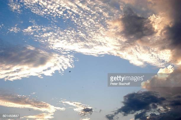 """Wolken am Himmel, Hotel """"Central Karon Village"""", Karon Beach, Insel Phuket, Thailand, Süd-Ost-Asien, Reise, BB, DIG; P.-Nr.: 386/2005, ;"""