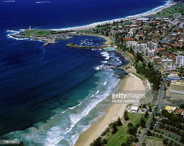 wollongong, nsw (aerial) - wollongong stock pictures, royalty-free photos & images