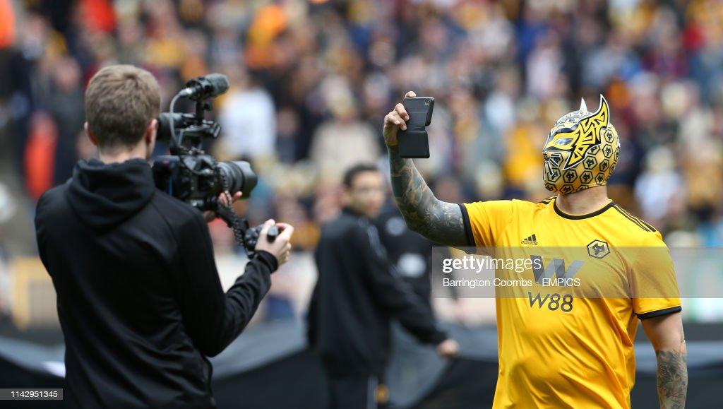 Wolverhampton Wanderers v Fulham - Premier League - Molineux : ニュース写真