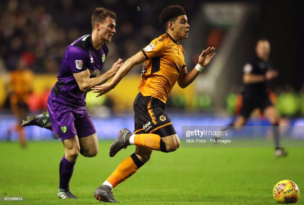 Wolverhampton Wanderers' Morgan Gibbs-White gets away from Norwich City's Christoph Zimmermann during the Sky Bet Championship match at Molineux, Wolverhampton.