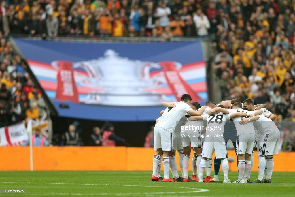 Watford v Wolverhampton Wanderers - FA Cup Semi Final : News Photo