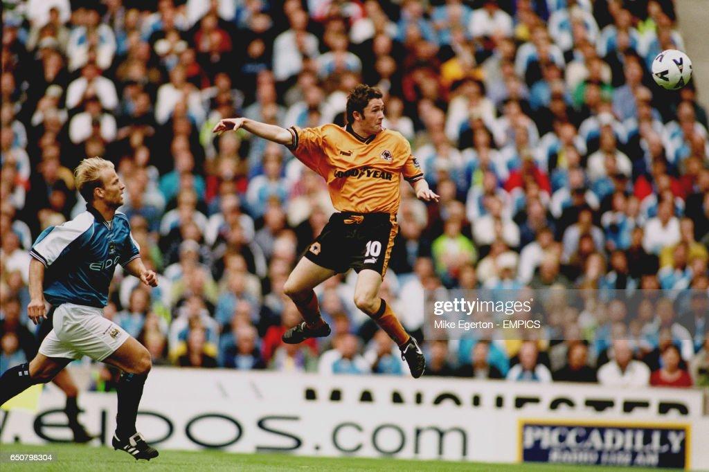 Soccer - FA Carling Premiership - Manchester City v Wolverhampton Wanderers : News Photo