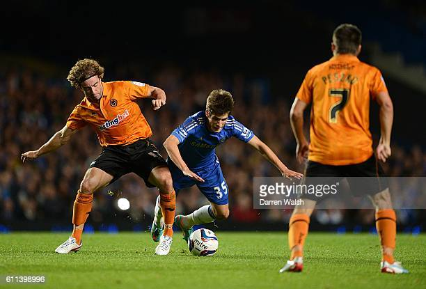 Wolverhampton Wanderers' Stephen Hunt and Chelsea's Lucas Piazon battle for the ball