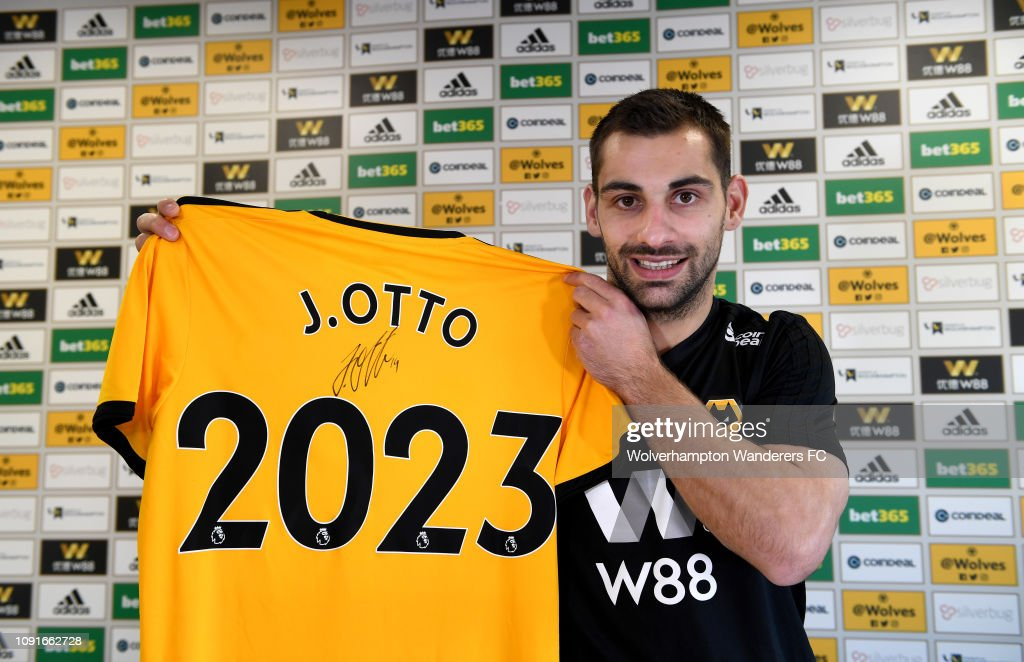 Wolverhampton Wanderers Complete the Permanent Signing of Jonny Castro Otto : News Photo