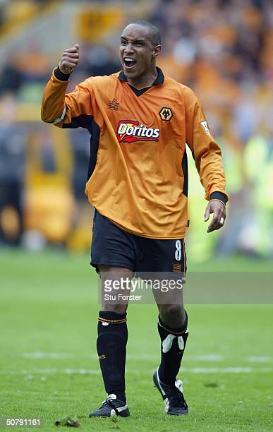 Wolves captain Paul Ince rallies the troops during the FA Barclaycard Premiership match between Wolverhampton Wanderers and Everton at The Molineux...