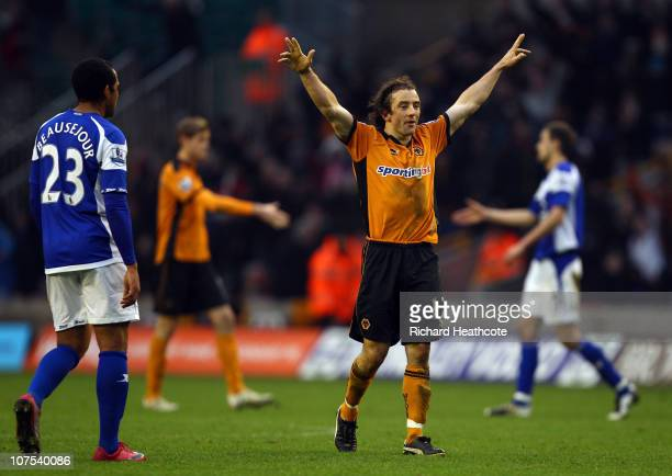 Wolves goal scorer Stephen Hunt celebrates victory at the final whistle during the Barclays Premier League match between Wolverhampton Wanderers and...