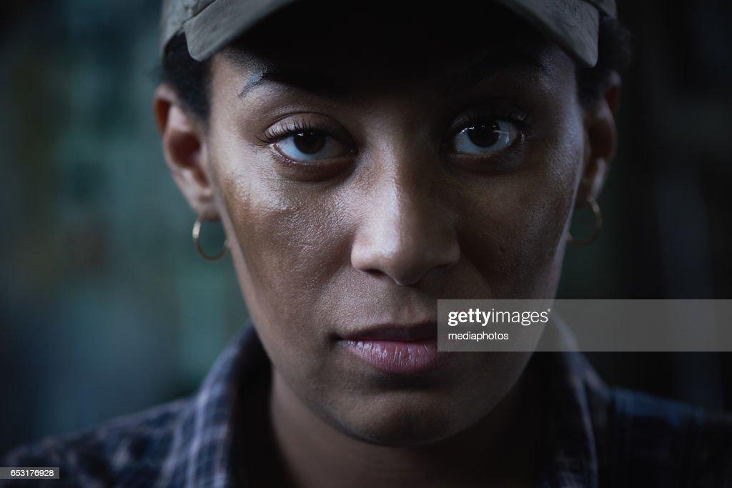 Femme et grit : Photo