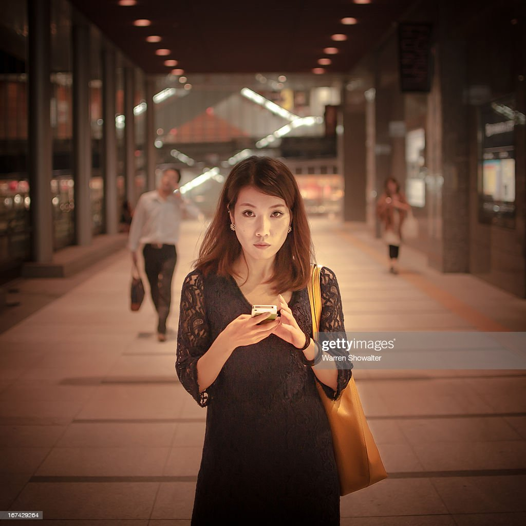 woman and phone : Foto de stock