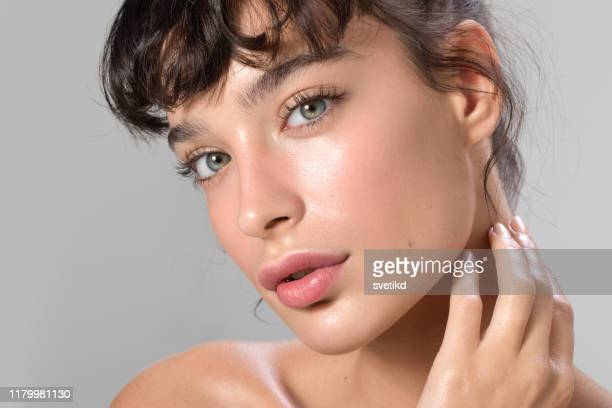 woman beauty portrait - beautiful woman stock pictures, royalty-free photos & images