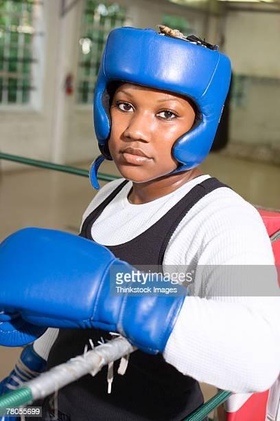 woman boxer - gymnastique douce photos et images de collection