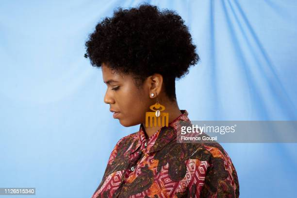 portrait of an african american young woman - showus stock pictures, royalty-free photos & images