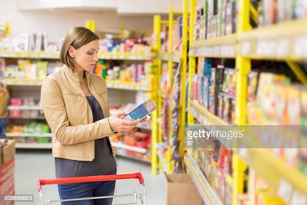 woman buys tea