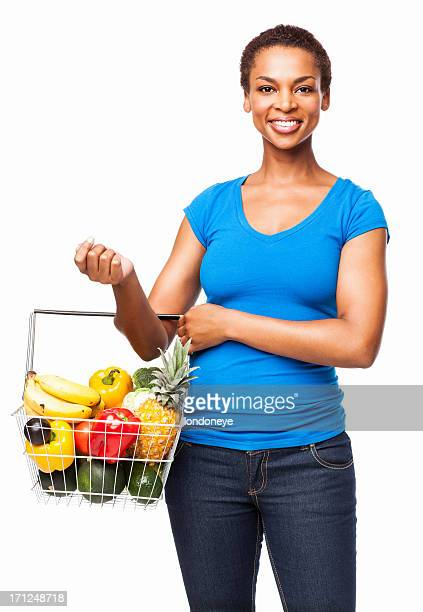 Frau trägt einen Korb mit frischen Lebensmittel-isoliert