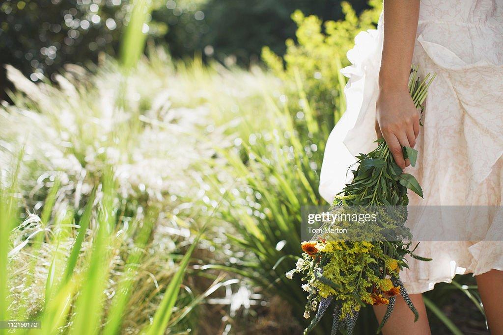 女性用の花のガーデン : ストックフォト