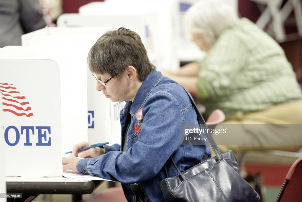 Ohio Citizens Start To Vote During Early Voting In Presidential Election : News Photo
