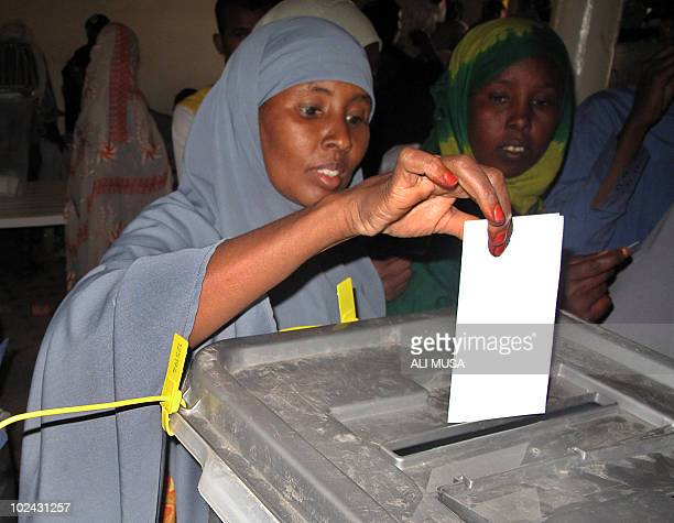 A woman casts her ballot on June 26 2010 in Hargeisa the capital of the selfproclaimed state of Somaliland which closed its borders for the...