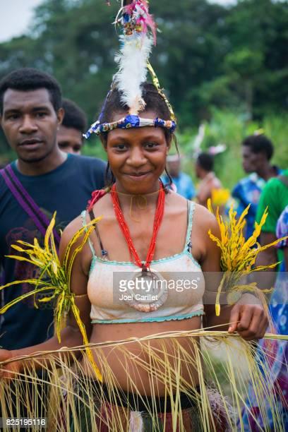 Mujer celebrando en provincia de Madang, Papúa Nueva Guinea