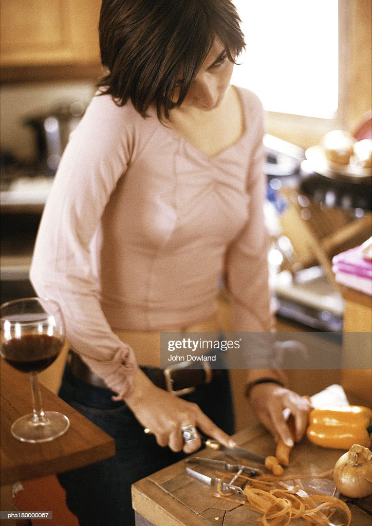 Woman cooking : Stockfoto